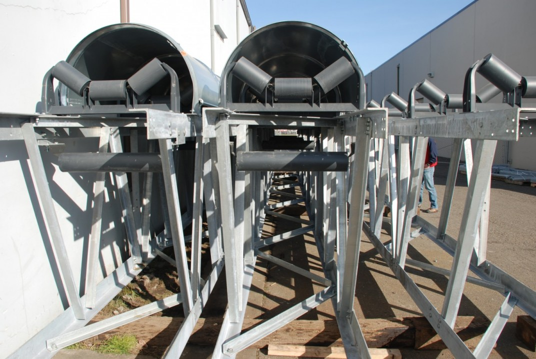 Pre-engineered truss conveyors